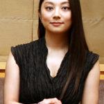 坂田旦さんの妻・小池栄子さんの子供時代と芸能界デビューそして写真は?